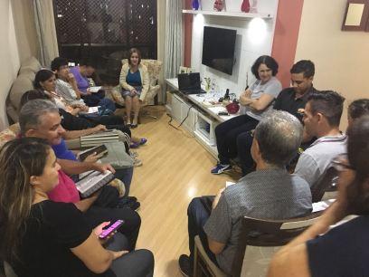 Adventistas também se reúnem em ambiente familiar com Pequenos Grupos para Semana Santa