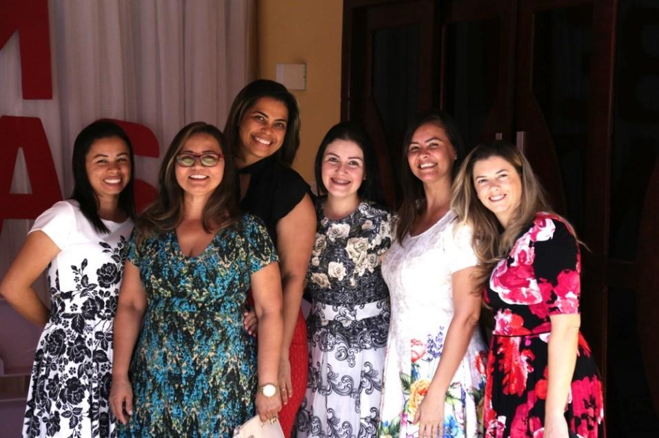 Chá-evangelístico-propõe-evangelização-de-amigas