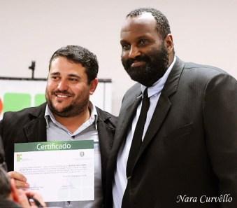 IFC entrega certificado em reconhecimento ao trabalho realizado pela Ação Solidária Adventista. [Foto: Nara Curvello].