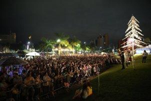 Musical ocorreu em frente à Prefeitura de Joinville[Foto: Paulo Ribeiro].