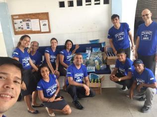 Equipe doou material de limpeza e higiene pessoal para abrigo de idosos