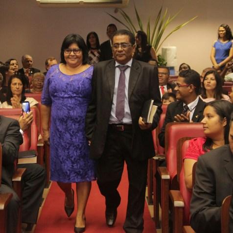 Pastor Paulo e esposa