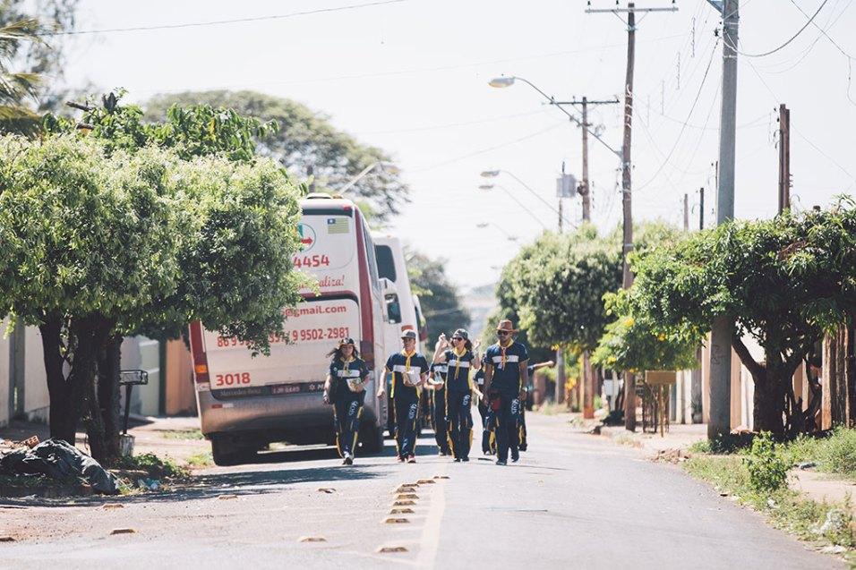 Desbravadores quebraram a monotonia de bairros residenciais de Barretos (Foto: Ellen Lopes)
