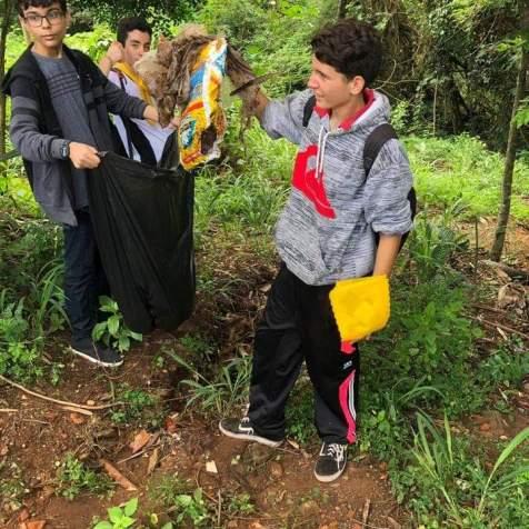 Trilha sustentável marcou segundo dia de ação dos jovens de Uberlândia (Foto: Marcelo Silva)