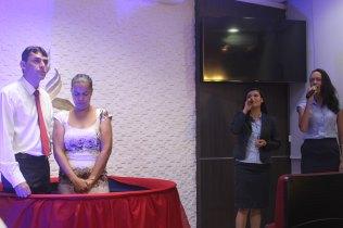 Colegas de Ana cantaram uma música de sua escolha (Foto: Jabes Souto)