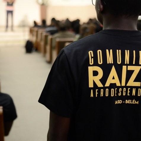Camiseta oficial da Comunidade Raízes Afrodescendentes (Imagem: Renan Lima)
