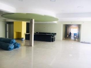 Hall que inclui a área da lanchonete(Foto: Renata Paes)
