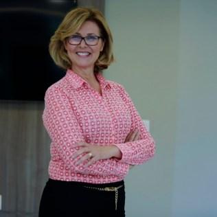 Líder do Ministério da Mulher da União Sudeste Brasileira (USeB), Sara Lima