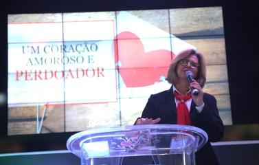 Sara Lima palestrou sobre perdão.(Foto: Renata Paes)