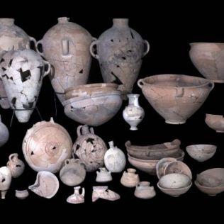 Utensílios de cerâmicas retirados do sítio arqueológico (Fotos: Clara Amit / IAA)