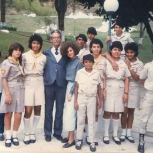 Marli, aos 16 anos, com o Clube de Desbravadores no IPAE. Ela é a primeira menina da direita para a esquerda. (Foto: Arquivo pessoal)