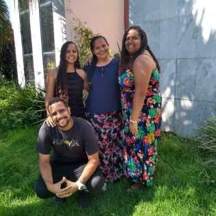 Marli e seus filhos: Paulo Vinicius, Rebeca (esquerda) e Raquel (Foto: Arquivo pessoal)