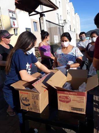 Lanches foram feitos com doações de empresas da região e dos próprios voluntários