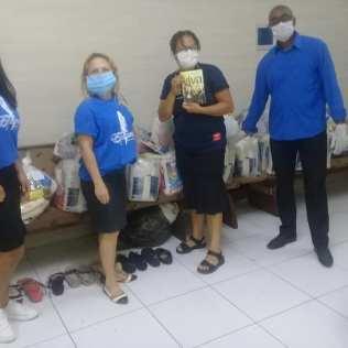 No distrito de Chabilândia, SP, voluntários arrecadaram alimentos, roupas e calçados (Foto: Arquivo Pessoal).