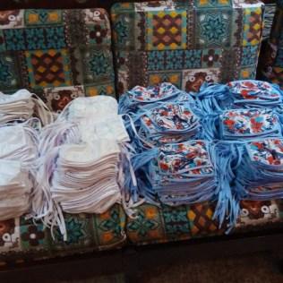 Quatro mil máscaras foram produzidas das mãos de 6 costureiros