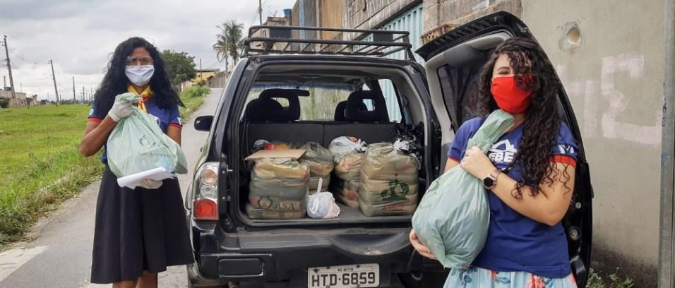 carros cheios de doações (Foto: arquivo pessoal)(Foto: Arquivo pessoal)