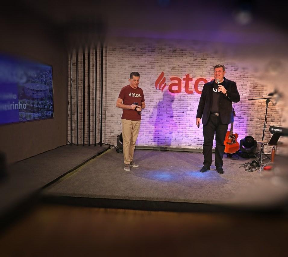 Pastor Hiram Kalbermatter, presidente da Igreja na região também participou do Atos Online.