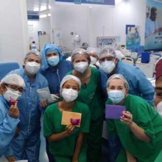 """""""Profissionais de saúde se emocionaram ao receber carinho através de cartinhas da esperança"""" (Foto. Arquivo pessoal)"""