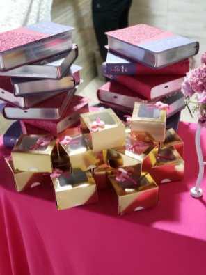 Clube de Desbravadores entregou presentes para as meninas. [Foto: Reprodução].