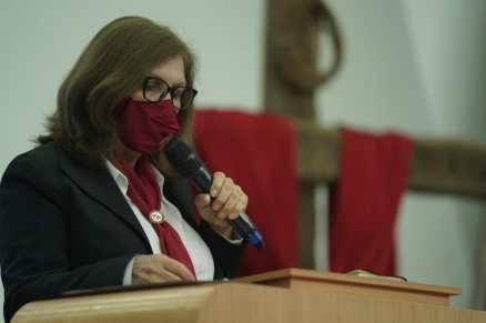 Líder do Ministério da Mulher realizou o voto com as mulheres investidas na ocasião (Foto: Edmilson Modesto)