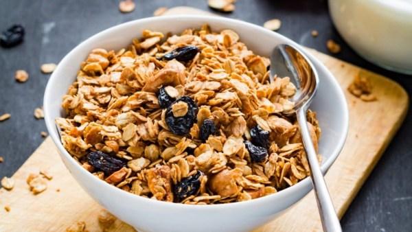Granola é uma mistura de cereais e grãos integrais
