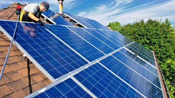 Painel solar é solução sustentável para geração de energia