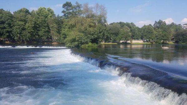 Fluvial, às vezes confundido com pluvial, se refere às águas de rios
