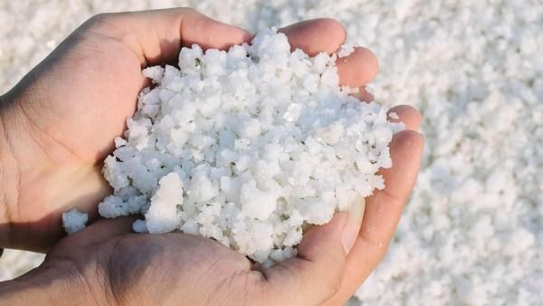 Sal marinho promete ser mais benéfico que o sal refinado