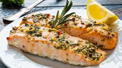 Salmão é o nome de várias espécies de peixes da família Salmonidae