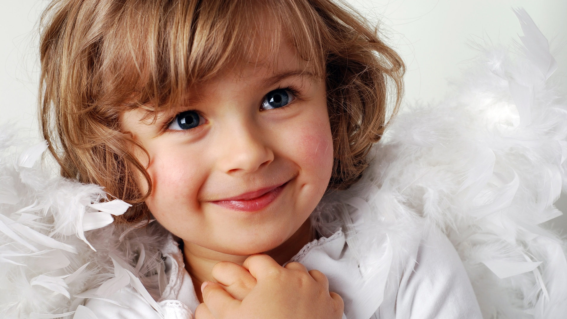 Cute Little Girls Laughing Wallpaper Cute Haircut Baby Girl Wallpapers In Jpg Format For Free