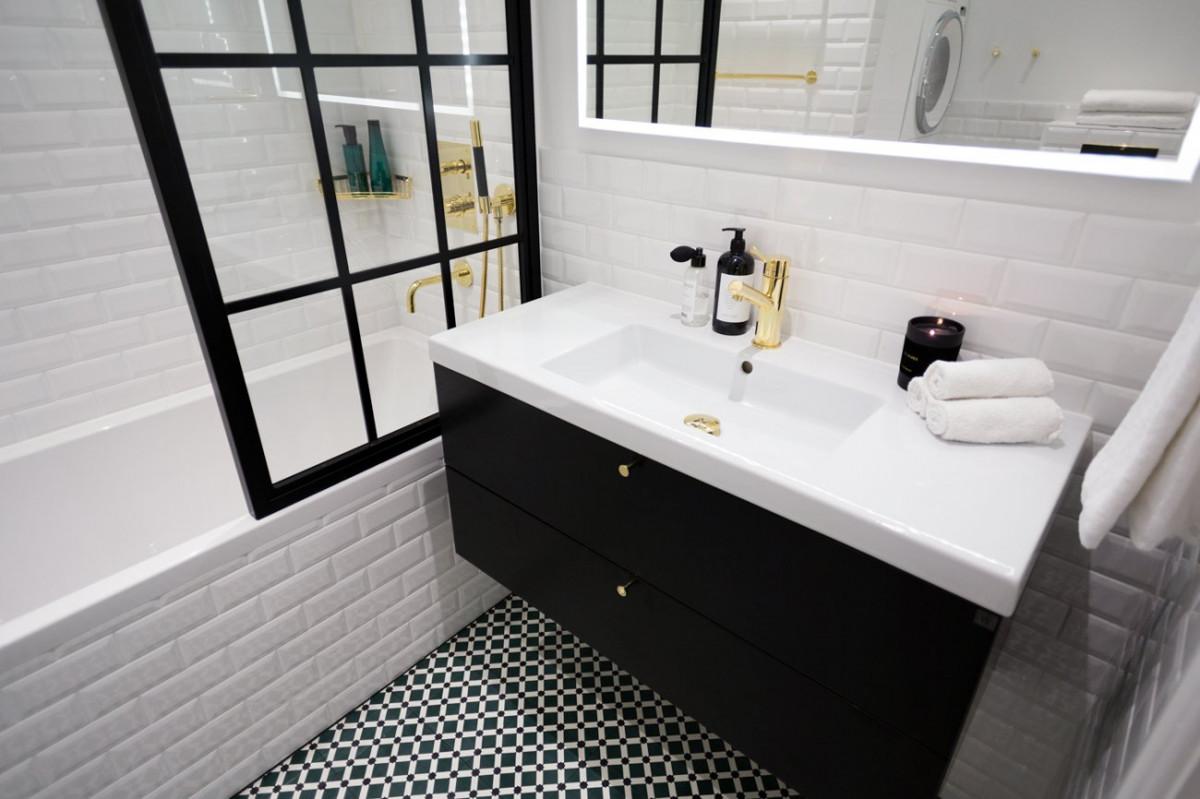 Kenzas hftiga badrum  Emelie Ekman  34 kvadrat