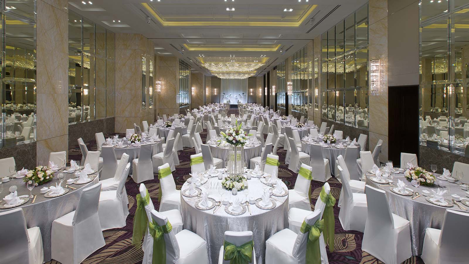 banquet chair covers singapore vanguard furniture dining chairs venue setup and decorations