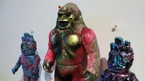 Kiss, Kiss, Kill! - OEOTOYS' Electric Bigfoot