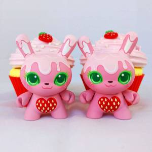 MJ Hsu - Delectables Dunny - Strawberry