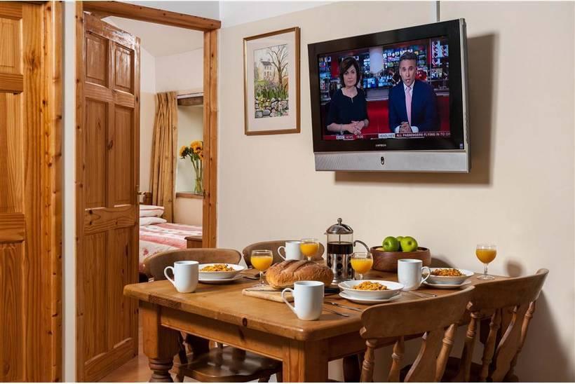 Design ideas for a modern bedroom in berkshire. Bedi Cottage   Bedi Cottage in Rhandirmwyn