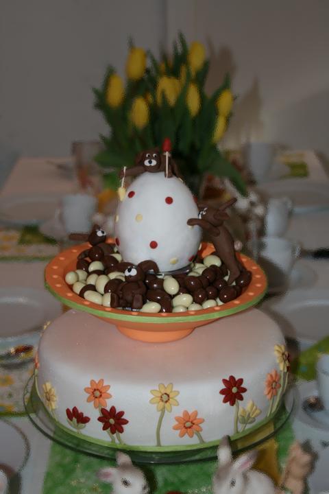 Meine bisher grte Torte Ein OsterhasenQuartett mit drehendem Osterei