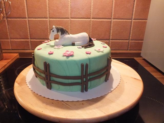 GeburtstagKinder  Pferde Torte