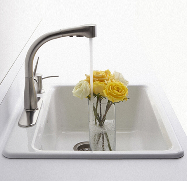 pull out kitchen faucets white tile 如何选购厨房水龙头 科勒家居 科勒中国kohler china 拔出厨房水龙头