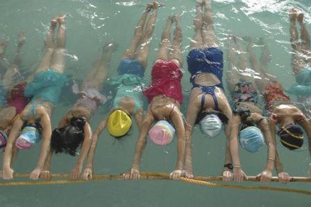 Der Sekretär der Muslimischen Gemeinde Basel weigert sich standhaft, seine Töchter in den gemischtgeschlechtlichen Schwimmunterricht zu schicken.
