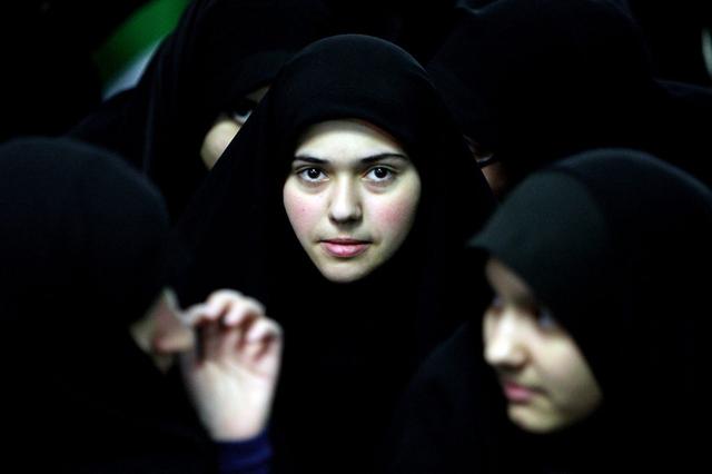 Beim Kosmetikkonsum stehen die Iranerinnen trotz einem anderen Frauenbild ihrer geistlichen Führer weltweit an siebter Stelle. Foto: Atta Kenare (AFP)