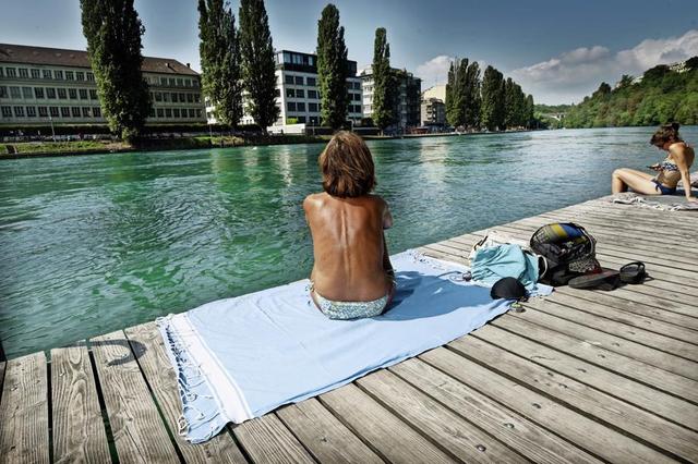 """Résultat de recherche d'images pour """"se baigner seins nus"""""""