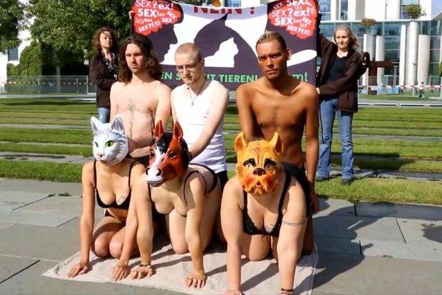 Les membres de la Fédération contre le viol des animauxmènent une campagne choc pour dénoncer l'impunité des zoophiles. Ils ont été entendus par le gouvernement allemand.
