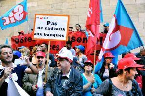 Hotel de Ville. Manifestation des fonctionnaires contre la réforme des retraites.