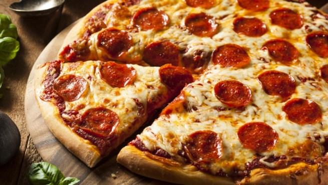 3 pepperoni pizza