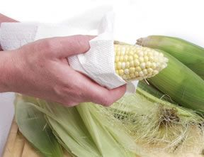 prepare and cook corn on the cob how