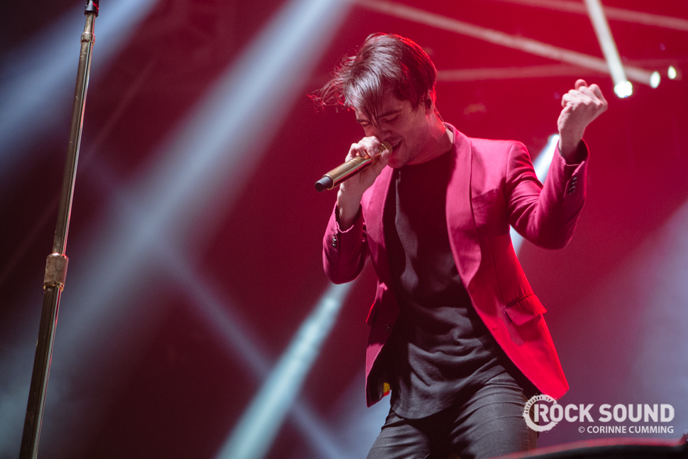 Fall Wallpaper Phone Panic At The Disco Have Announced Their Highly