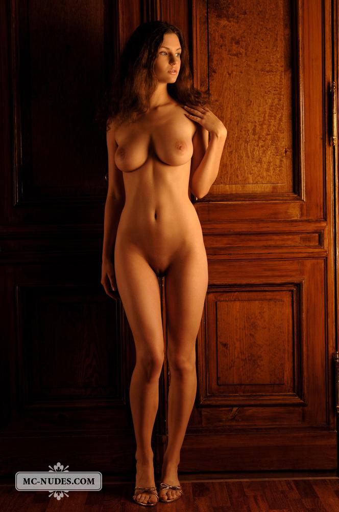 Susann, busty, brunette, nude, strip