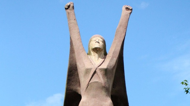 La Pasionaria (Dolores Ibarrui) is one of only three public statues commemorating women in Glasgow.