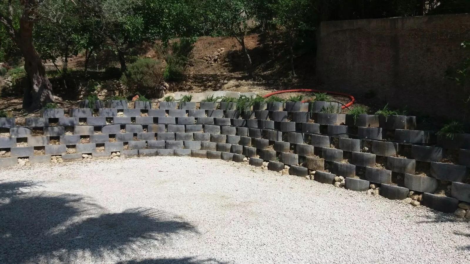 Blocchi In Cemento Per Muri Esterni Manucem Pavimentazioni
