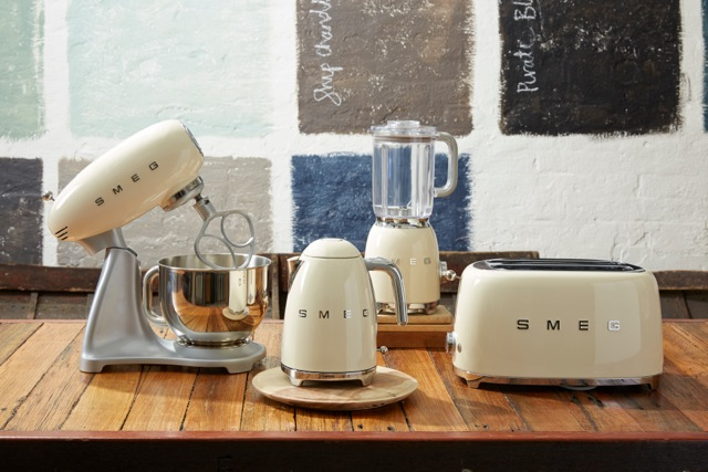 Blend Retro Style And Performance With Smegs New Blender
